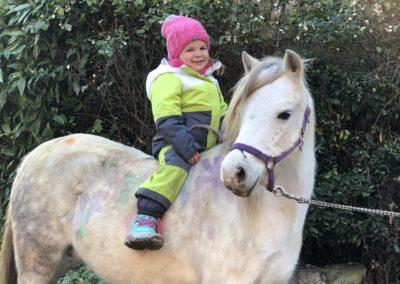 Lea auf Pony Beauty