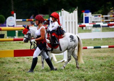 Lea auf dem Pferd Beauty